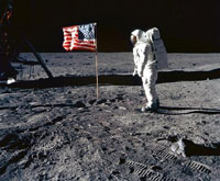 USA Prepares to Conquer Moon Again, While Russia Works on Projects of the Past