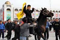 Kyrgyz opposition pushes for president's ouster