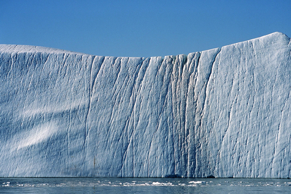 Iceberg weighing one trillion tons breaks away from Antarctica. 60825.jpeg
