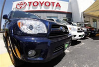 Toyota's fiscal first-quarter profit plunges 28 percent