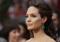 Angelina Jolie goes mad about her flabby stomach