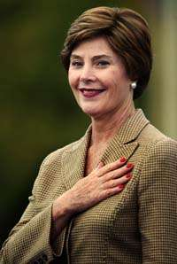 Laura Bush arrives in Mozambique on second leg of Africa tour