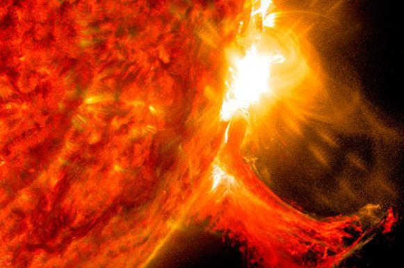 Our Sun may superflare, causing destruction on Earth. Solar flare