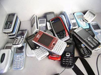 Russians Buy 7 Million Cell Phones in Three Months