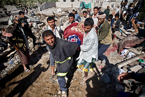 Saudi Arabia bombs Yemeni civilians to build democracy. Invasion of Yemen