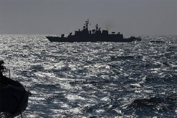 Russia keeps US and NATO flotilla in Black Sea at gunpoint. NATO enters Black Sea