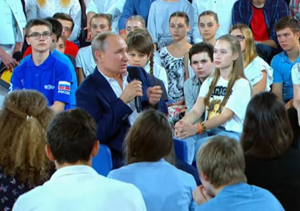 Putin's Q&A with kids: Live normal life, respect other people, admire Tchaikovsky. 60888.jpeg