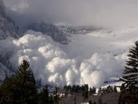 Avalanche kills Russian tourist in Austria. 48901.jpeg