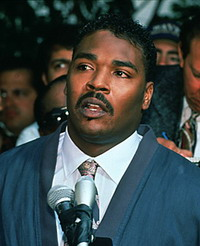 Rodney King gets light wounds in street shooting