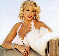 Anna Nicole Smith's mother seeks burial in Texas