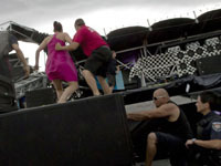 Stage at Ottawa Bluesfest collapses as thousands try to escape from rain. 44918.jpeg