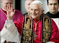 Pope Benedict XVI stands for end of police crackdown on protesters in Myanmar