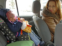 Grandparents more reliable in cars than child safety seats, study says. 44920.jpeg