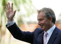 Protesters interrupt Tony Blair's press conference in Lebanon