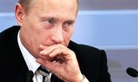 Putin's wittiness charms Western journalists