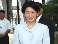 Japanese support female monarch