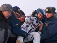 Russian capsule brings astronauts back to Earth safely. 45929.jpeg