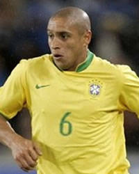 Roberto Carlos moves to Turkey's Fenerbahce