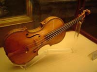 Stolen Stradivari violin returned to its owner in Austria