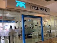 Telefonos de Mexico SAB to spin off its international operations
