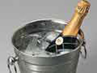 Fizzy about champagne: sparkling wine sales jump up in US