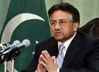 Pakistani lawyers force Musharraf to step down