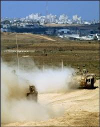 Israeli tanks move inside Gaza