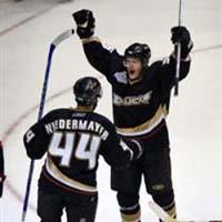 Ducks beat Senators 6-2 to win first Stanley Cup