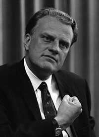 Billy Graham recovers from surgery