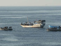 Somali pirates might have captured two Russians