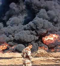 Iraqi police: Bomb damages oil pipeline south of Baghdad