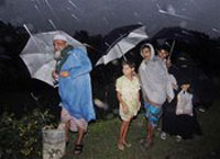 Tropical cyclone in Bangladesh kills at least 425 people