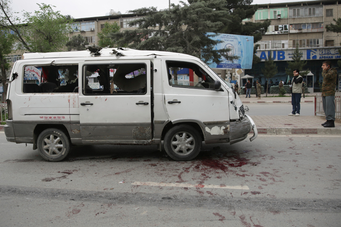 Kabul: NATO convoy attacked The US has around 8,400 troops in the country with about another 5,000 from NATO allies kabul