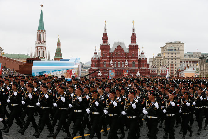 Victory Parade: Weather changes scenario Traditionally, Russia holds victory parades in major cities across the nation to celebrate Victory Day on May 9. The two largest parades are held in Moscow and St. Petersburg. This year, May 9 weather changed the scenario of the parade: the clouds were too thick and heavy over Moscow, and the aviation part of the military show had to be canceled. Victory Day is Russia s most important secular holiday, commemorating the Red Army s determination and losses in World War II victory_parade