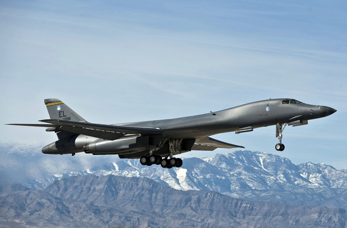 Rockwell B-1 Lancer: Variable-sweep wing jet Ten B-1s have been lost due to accidents. Between 1984 and 2001, 17 crew members and people on board have been killed in B-1 accidents rockwell_lancer