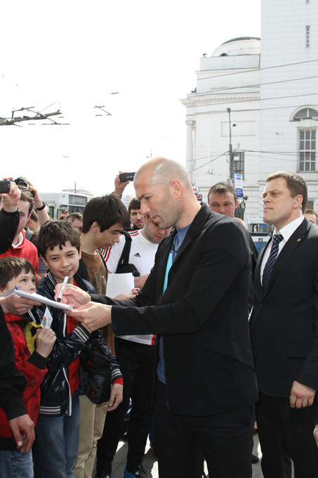 Football legend Zinedine Zidane in Moscow Real Madrid s Sporting Director and football legend Zinedine Zidane, was in Moscow last week to promote a project close to his heart; to develop football schools around the world.
