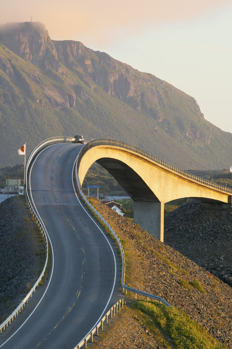 Gigantic bridges of the world