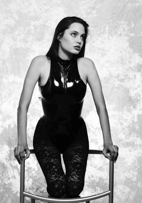 Angelina Jolie, when she was 16 Angelina Jolie does a swim suit photo shoot at the young age of 16  Splash/All Over Press angelina_jolie