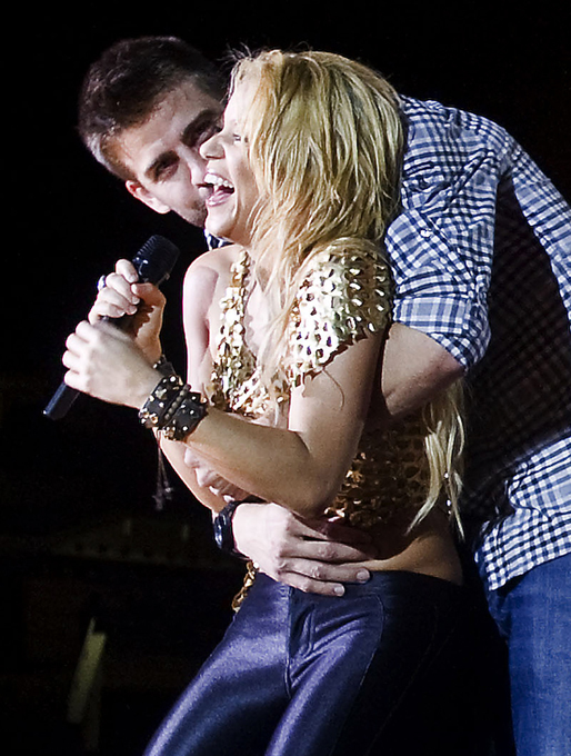 Shakira confirms she is pregnant shakira 35 has confirmed she and