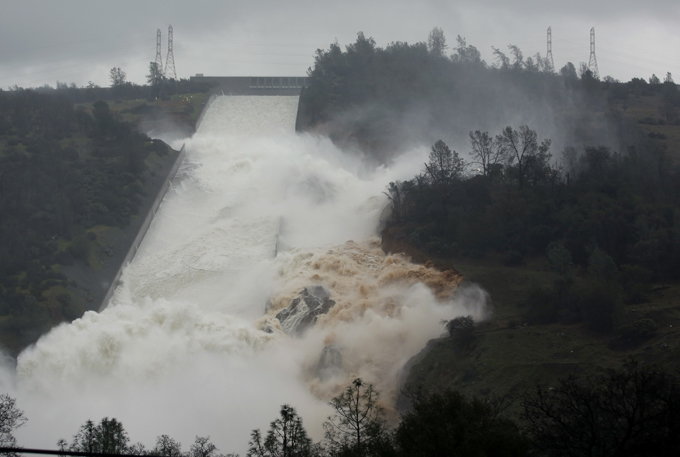 California s Deluge Environment protection activists warned US authorities 12 years ago that thetallest dam in the United Statescould crumble. However, the warnings were left ignored oroville