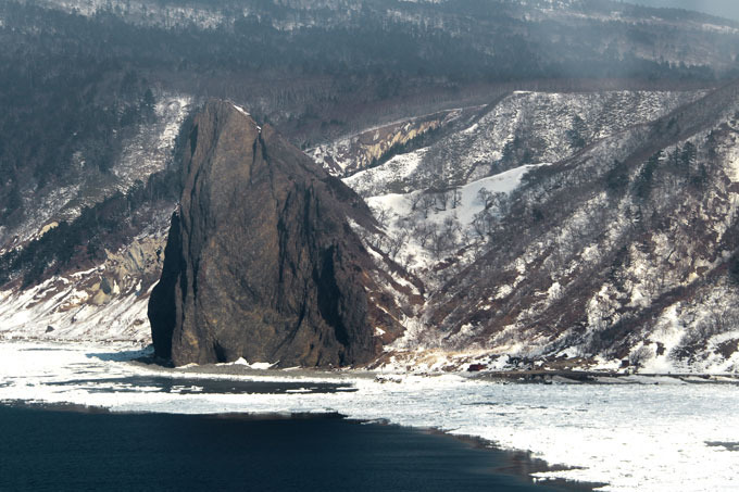 Russia will not give away Kuril Islands If Russia delivers South Kuril Islands to Japan, they will fall under obligations of the United States in accordance with the fifth article of the Japanese-US treaty of mutual cooperation and security guarantees All photos by Vadim Savitsky russia_kurils
