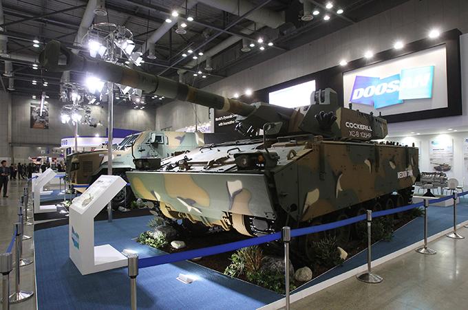 Aeroespacial y Defensa en Seúl Exposiciones Desde 2009, ADEX ha sido el sector aeroespacial y de defensa exposición de la industria de mayor escala en la región Asia-Pacífico adex_seoul