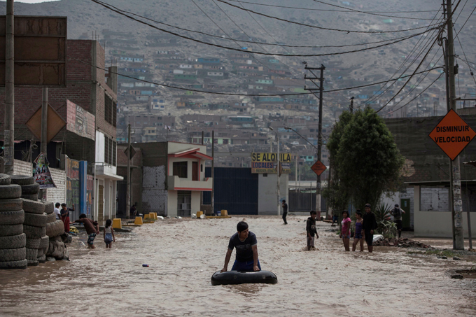 Tragedies, disasters from around the world The intense rains, overflowing rivers, mudslides and flooding being experienced in the country are the worst seen in two decades, Peruvian authorities said Saturday, affecting more than half the nation as the death toll since the beginning of the year hit 72. The disaster has struck 20 of Peru s 25 regions tragedies