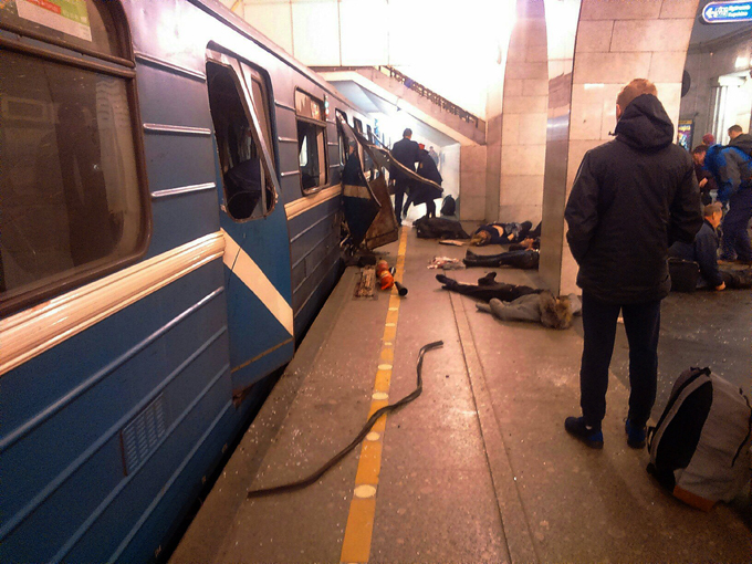 Terror in St. Petersburg Two explosions occurred on the blue line of the St. Petersburg metro. According to eyewitnesses, the explosion occurred on Sennaya Ploschad station  terrorism_petersburg