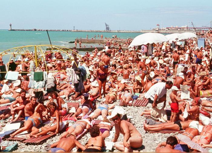 Russia bars non-vaccinated tourists from entering domestic Black Sea resorts