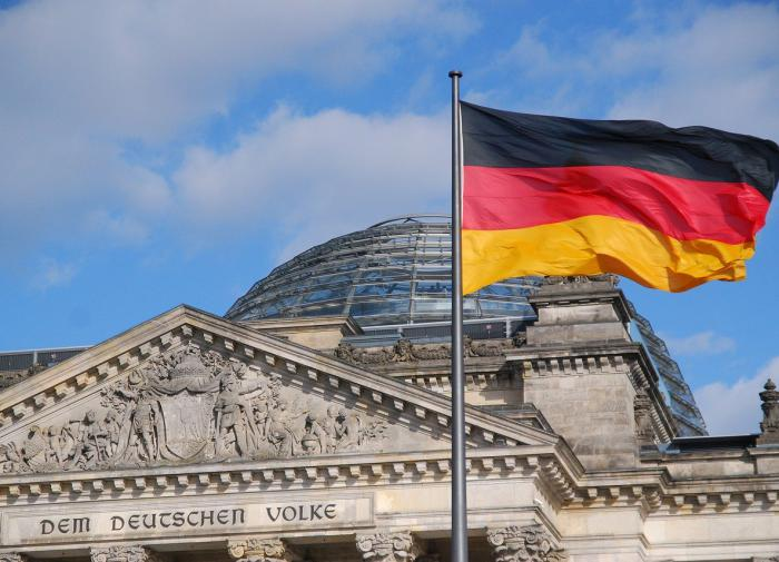 Germany calls for the collapse of the EU and union with Russia