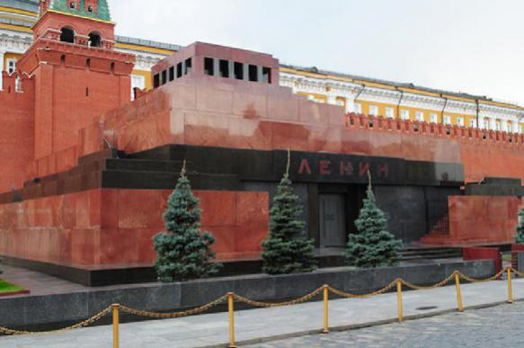 Vladimir Lenin's mummified body to remain in the heart of Russia for good?