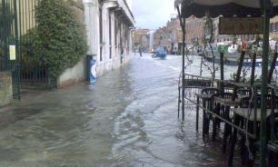 Italy: Acqua Alta