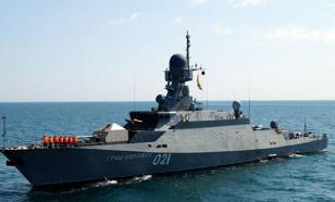 Russia sends assault ships to counter US aircraft carriers in the Mediterranean Sea