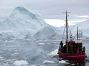 Superpowers fight and bite for chunks of Antarctic ice